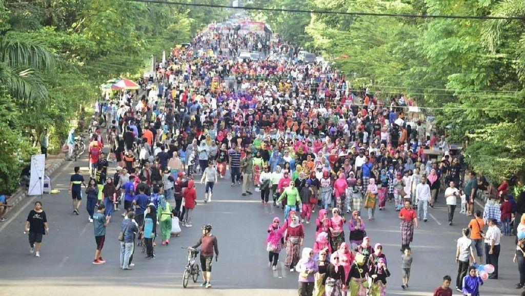 Foto: Perdana! Festival Sarung Digelar di Sulawesi Selatan