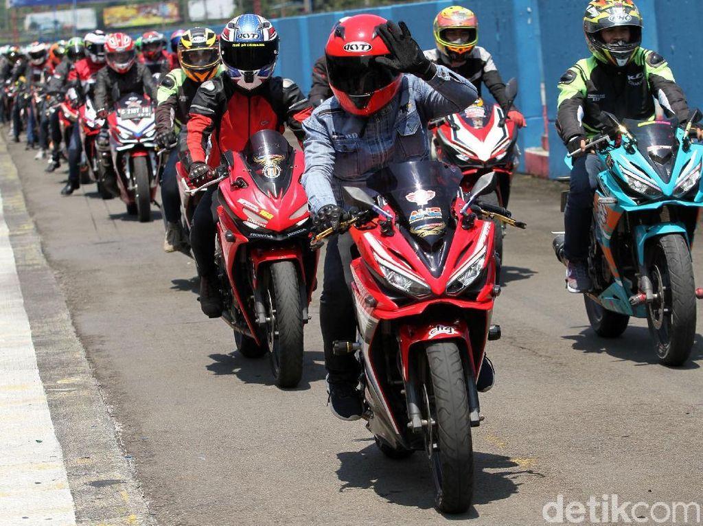 Ratusan Bikers Geber Motor Honda di Sirkuit Sentul