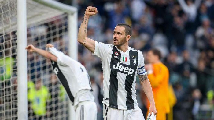 Leonardo Bonucci terkejut dengan cara melatih Maurizio Sarri. (Foto: Giampiero Sposito/Getty Images)