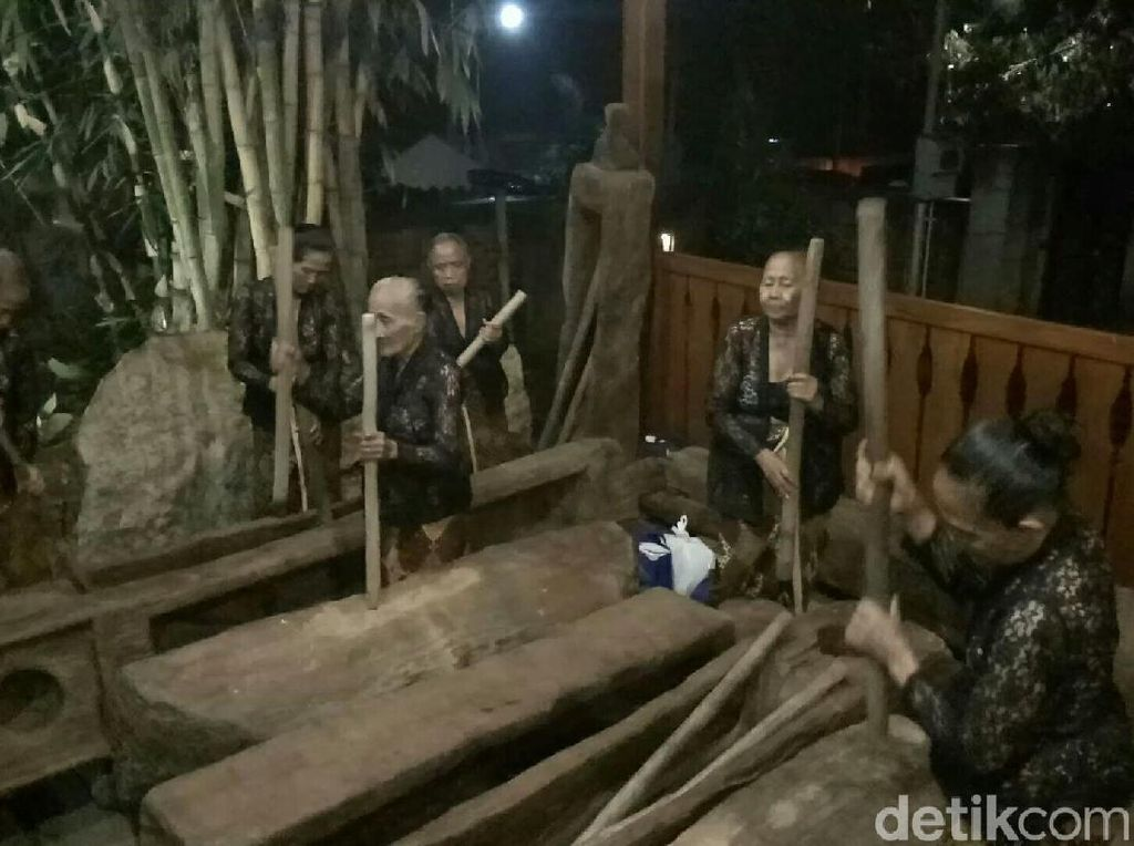 Kartini-kartini Tua dari Banyuwangi, Enggan Menyerah Digerus Zaman