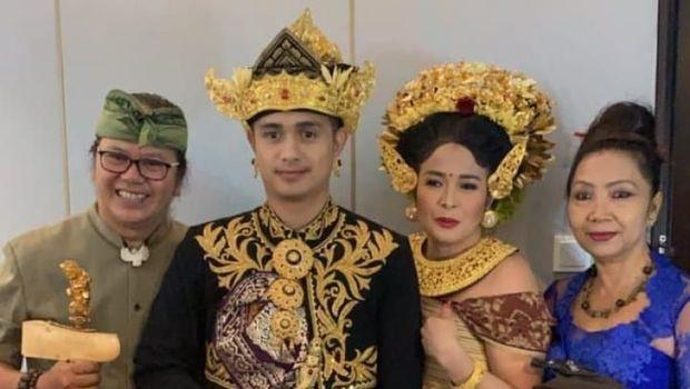 Senyum Ajun Perwira Jennifer Jill Menikah Secara Hindu
