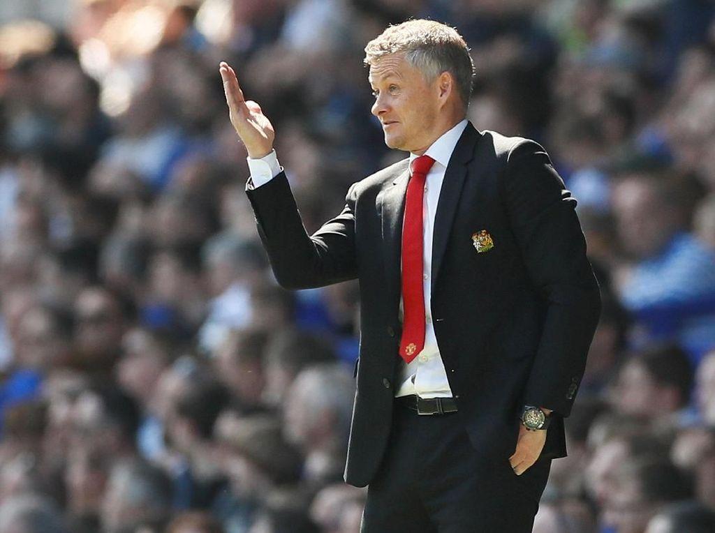 Solskjaer Kok Sampai Harus Minta Maaf ke Fans, Man United?