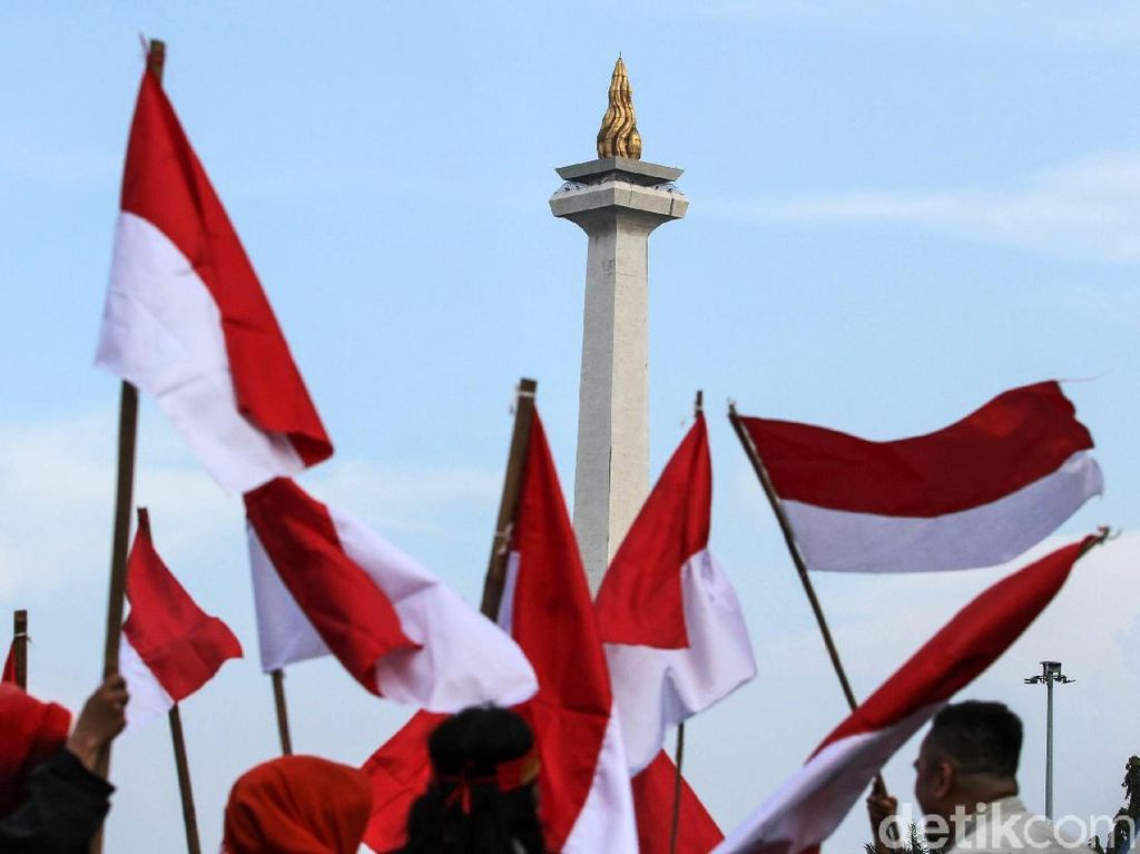 Wow! Ada Bendera Merah Putih Jumbo Harga Rp 6 Juta di Toko Online