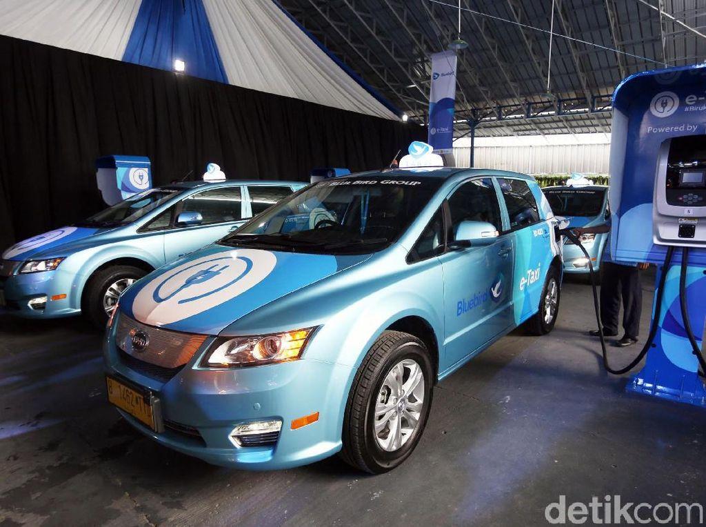 Blue Bird Pakai Mobil Listrik Tesla, Toyota: Kita Akan Diskusi