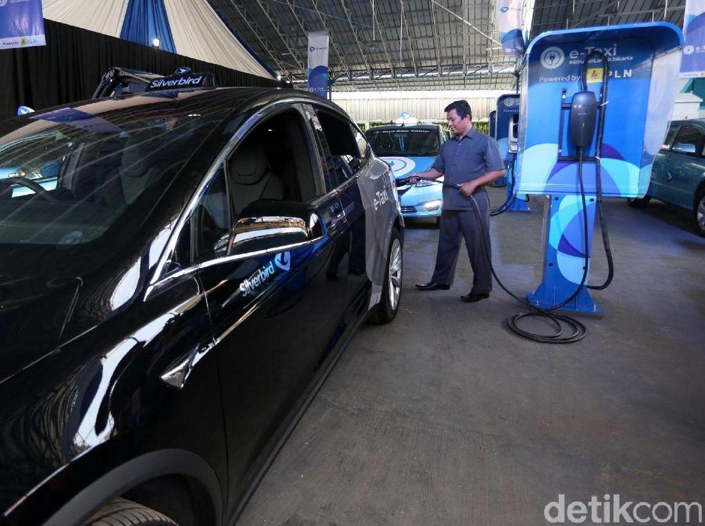 Sumber Daya Alam di RI Cukup untuk Bikin Baterai Kendaraan Listrik