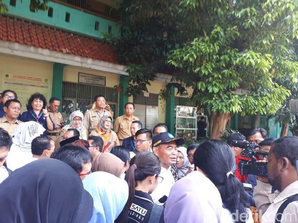 Datangi 2 SMP di Jakarta, Mendikbud: UNBK Sesuai Standar