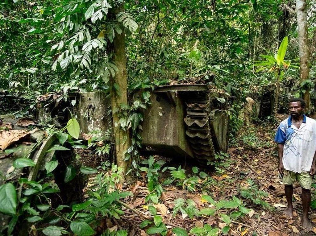 Melihat Sisa Peralatan Perang hingga Budaya Desa Tablanusu di Papua