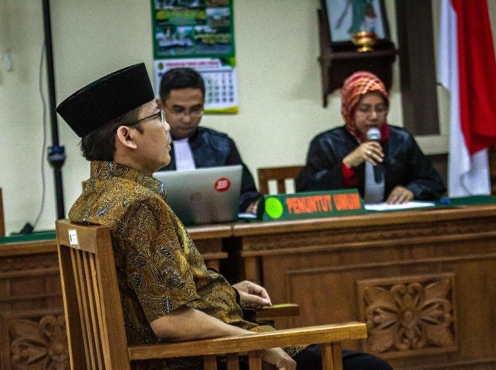 Wakil Ketua DPR Taufik Kurniawan Hadapi Vonis Kasus Suap Hari Ini