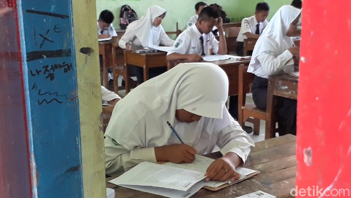 Siswa saat menjalani Ujian Nasional. (Imam Suripto/detikcom)