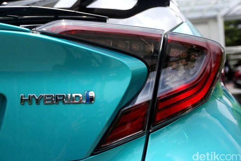 Mobil Hybrid Sering Bikin Kaget Warga di Jalan Perkampungan