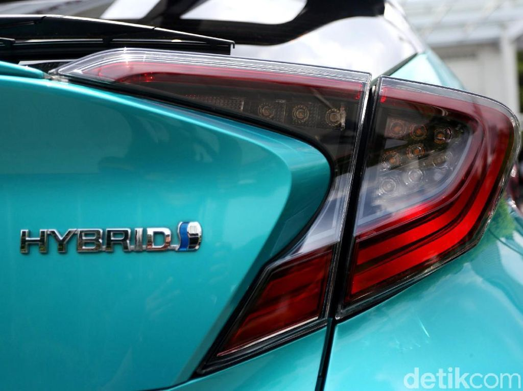 Toyota Harap BBN Gratis Tak Cuma untuk Mobil Listrik