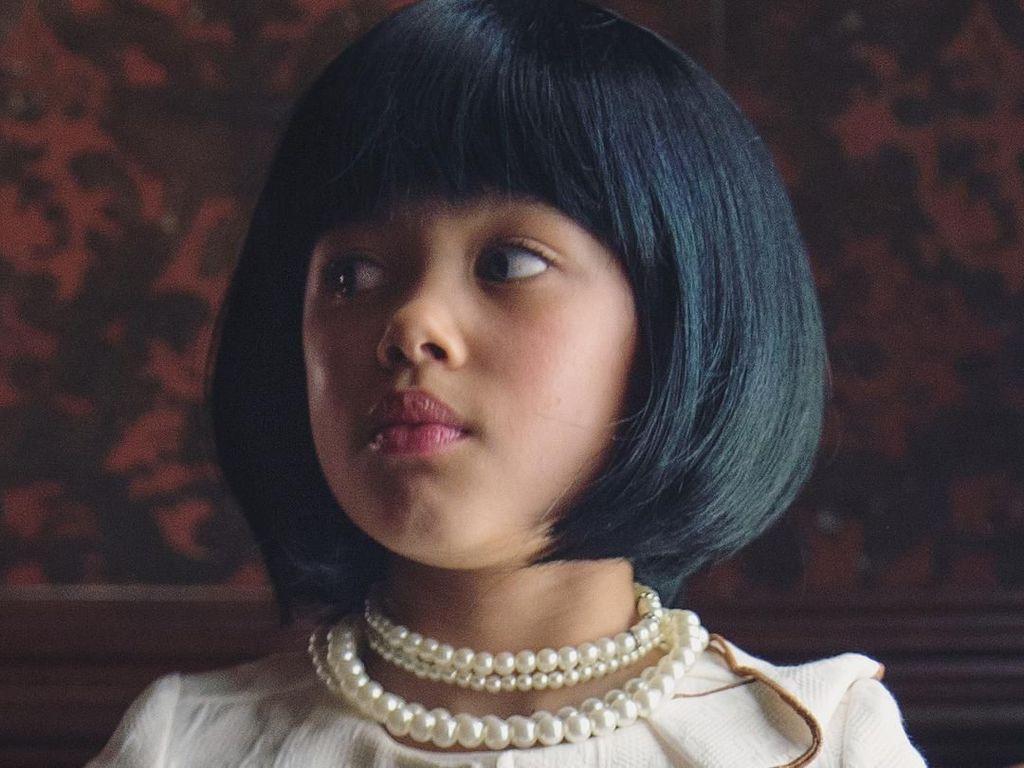 Kocak, Gadis 9 Tahun Tiru Gaya Selebriti Pakai Brokoli hingga Tisu Toilet