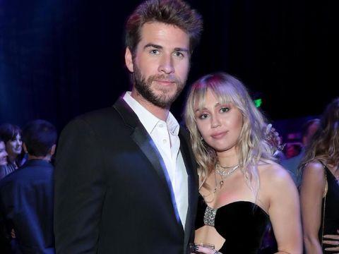 Cyrus dan Hemsworth