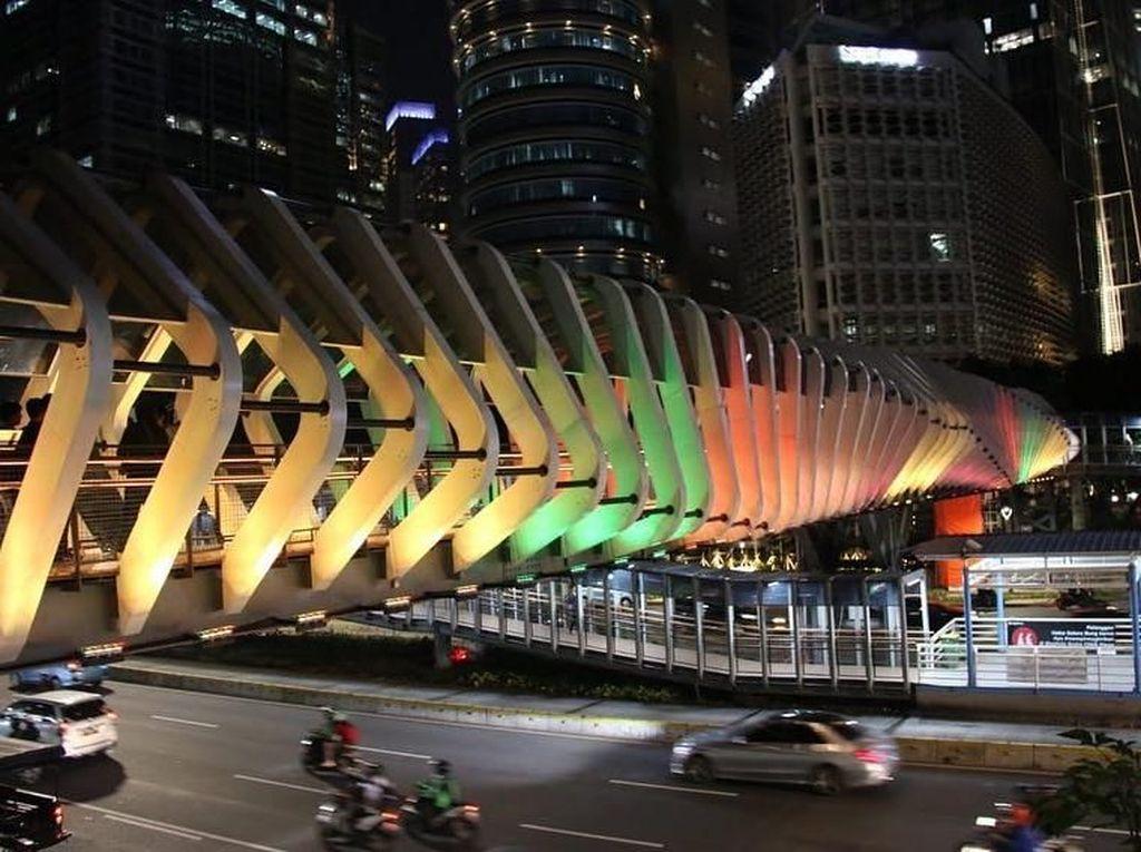 Solidaritas untuk Korban Bom, JPO GBK Berwarna Bendera Sri Lanka