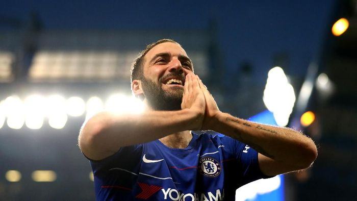 Gonzalo Higuain mencetak satu gol saat Chelsea diimbangi Burnley 2-2 di Stamford Bridge. (Foto: Warren Little/Getty Images)