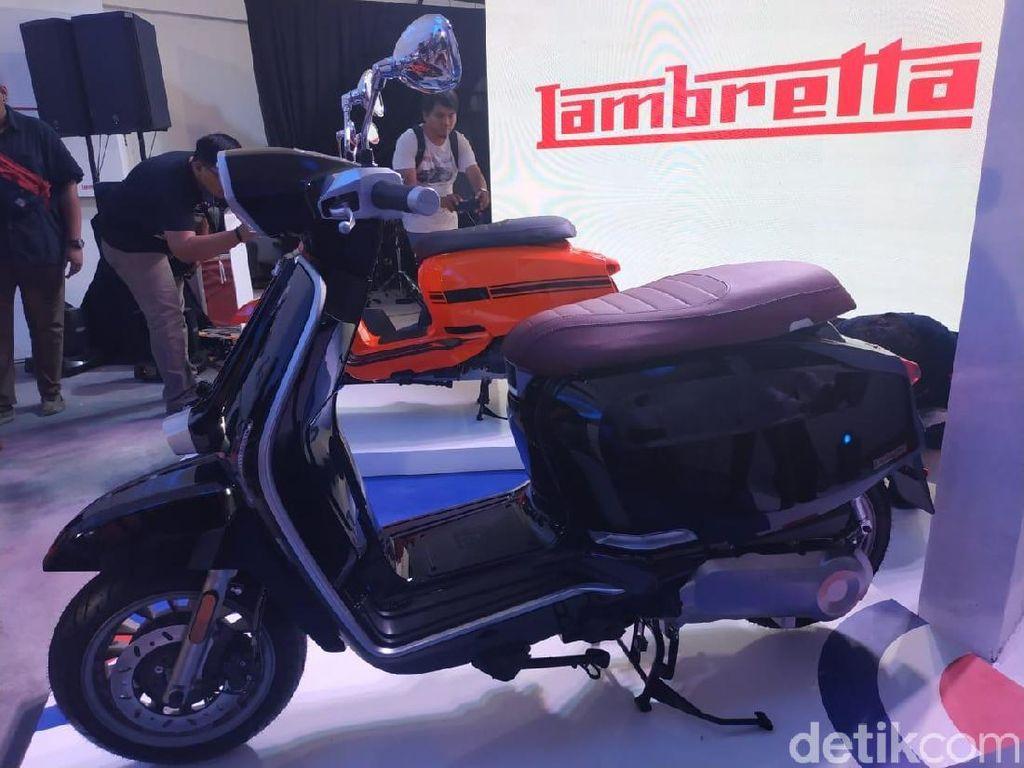 Rp 50 Jutaan, Pilih Skuter Italia atau Motor 250cc Jepang?
