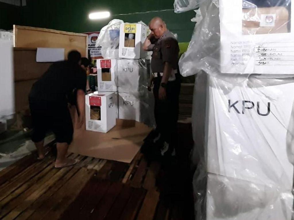 Gudang Logistik PPK di Sukabumi Bocor, Rapat Pleno Ditunda