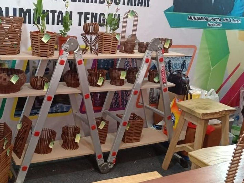 Pot Anggrek dari Kayu Ulin Hiasi Kalteng Trade Expo 2018