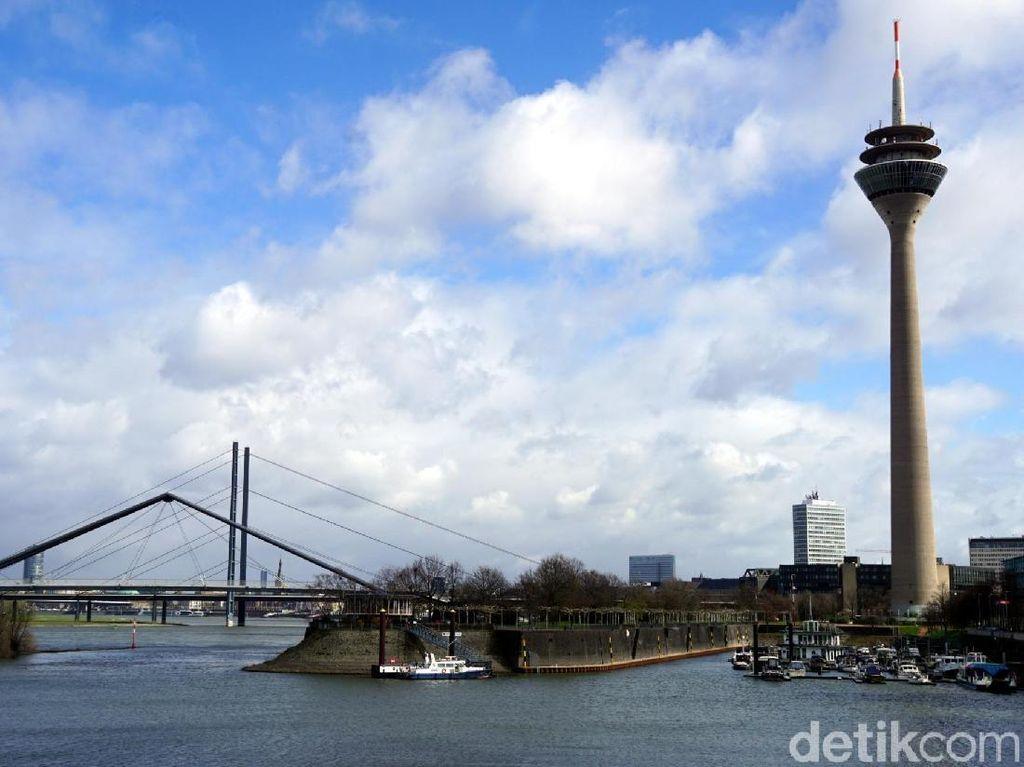 Penampakan Menara Tertinggi di Kota Dusseldorf