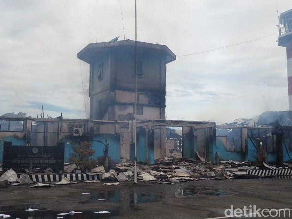 Kebakaran di Bandara Nabire Akibat Korsleting AC