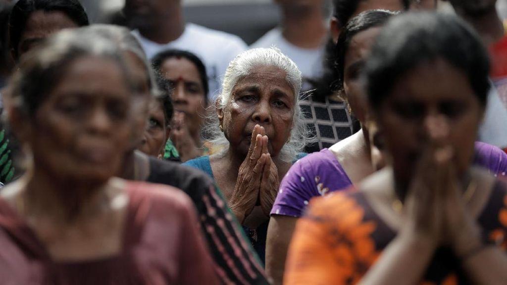Momen Warga Sri Lanka Mengheningkan Cipta Untuk Korban Bom Paskah
