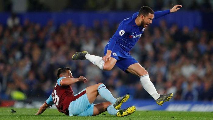 Chelsea dianggap terlalu bergantung pada Eden Hazard (REUTERS/Eddie Keogh)
