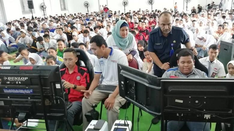 Edukasi 600 Pelajar SMK Sebelum Mendapatkan SIM