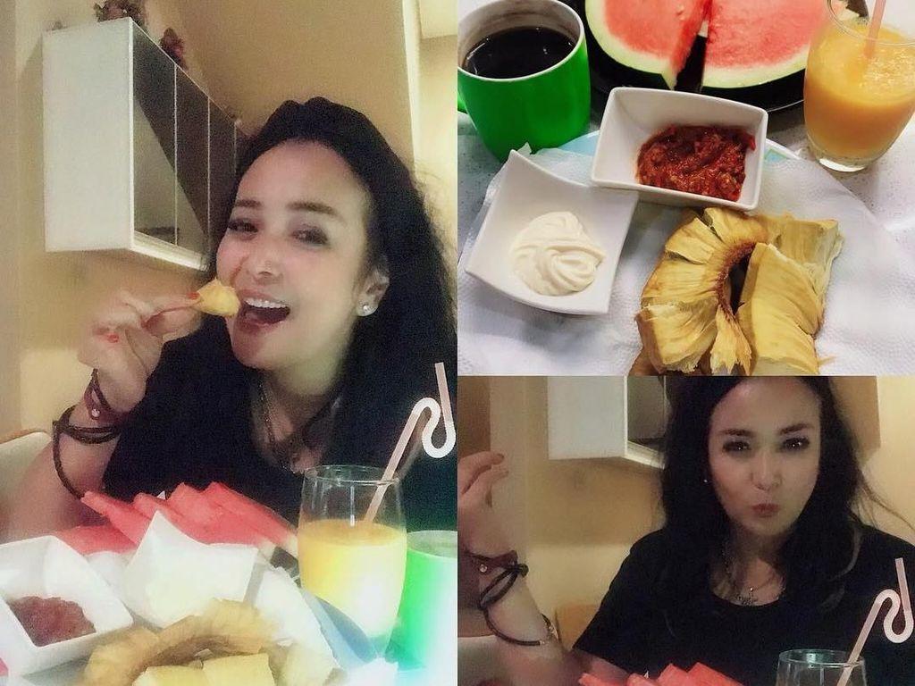 Intip Momen Kulineran Seru Jennifer Istri Baru Ajun Perwira