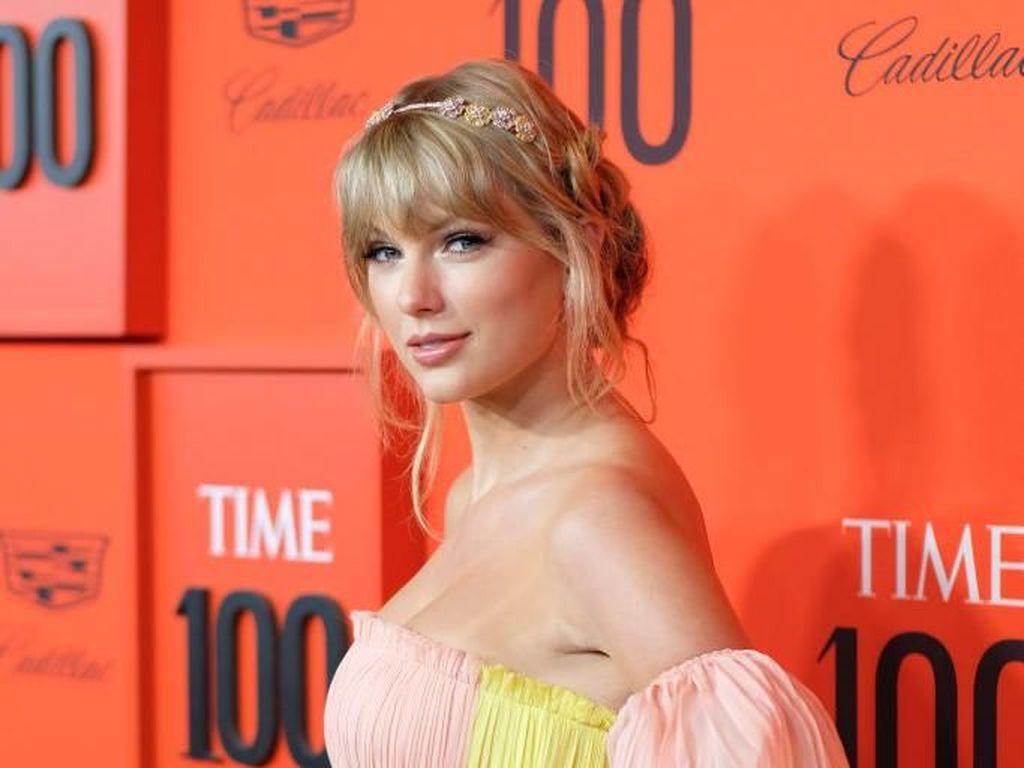 Jadi Orang Berpengaruh di Dunia, Taylor Swift Memesona di Red Carpet