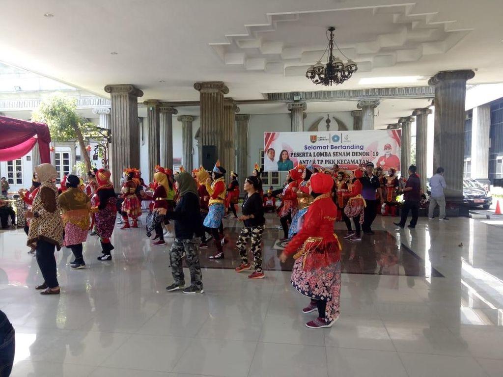 Senam Denok, Kreasi Asli Kota Semarang yang Bikin Bugar