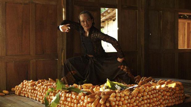 Film 'Bumi Manusia' dan 'Kucumbu Tubuh Indahku' bersaing ketat jadi nomine terbanyak dengan 12 nominasi.