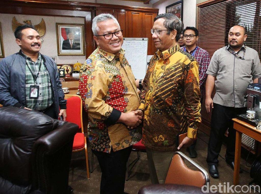 Temui Komisioner KPU, Mahfud MD Beri Dukungan