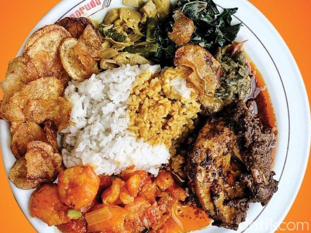 Bikin Ngiler, Ini Daftar Lengkap Rumah Makan Nasi Padang di Jakarta