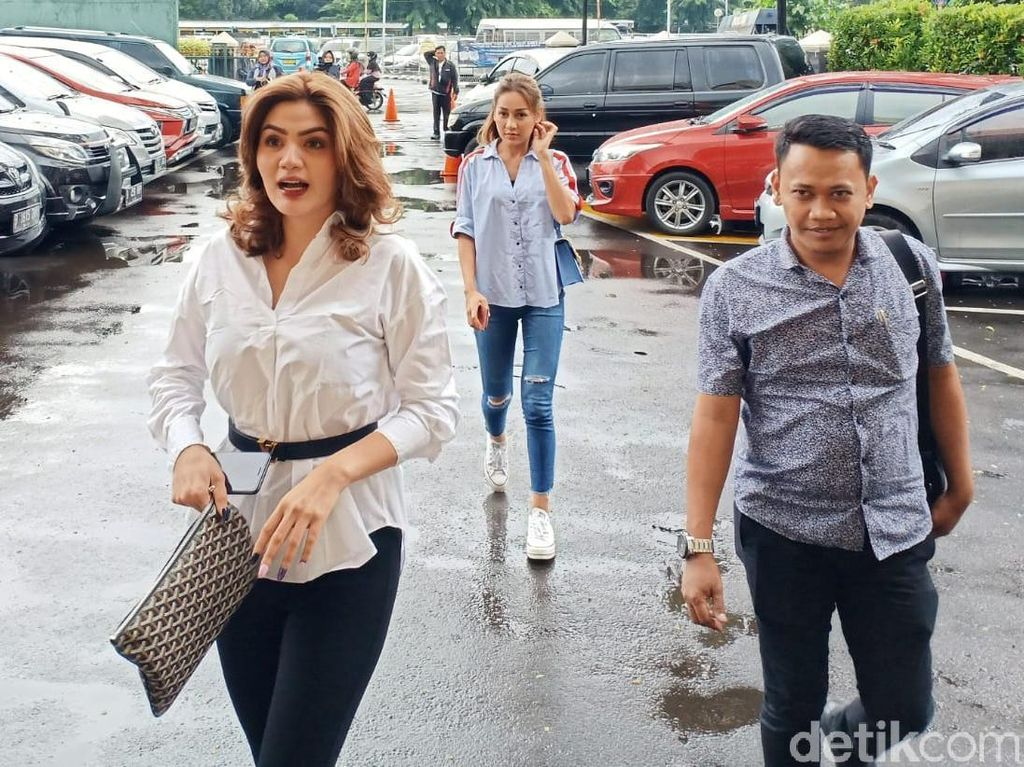 Kriss Hatta Nangis Ingat Masa Lalu, Pihak Hilda Vitria: Drama!