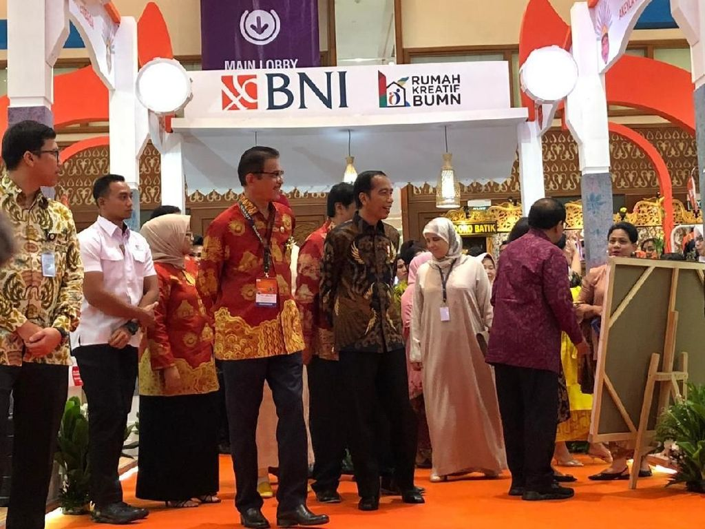 Bersama Anies, Jokowi Tinjau Pameran Inacraft 2019 di JCC Senayan