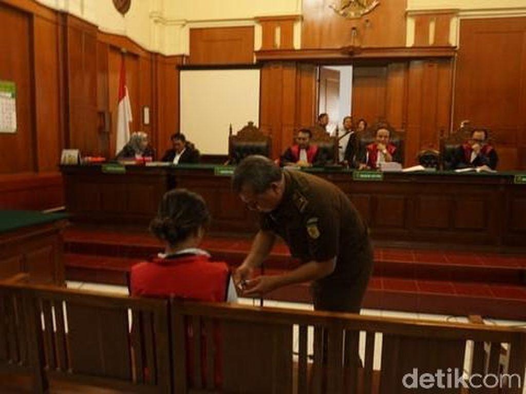 Kuasa Hukum Vanessa Angel Sebut Dakwaan Jaksa Sangat Janggal