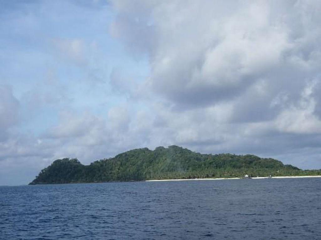 Senoa, Pulau Hamil di Indonesia