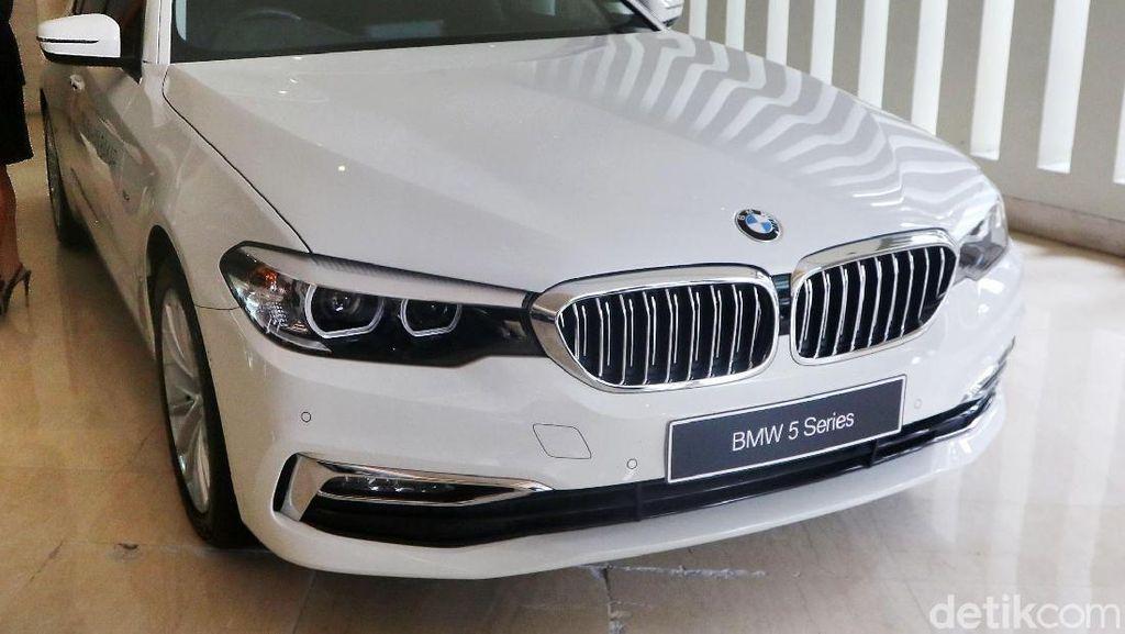 BMW Hadirkan 11 Mobil Baru di IIMS 2019