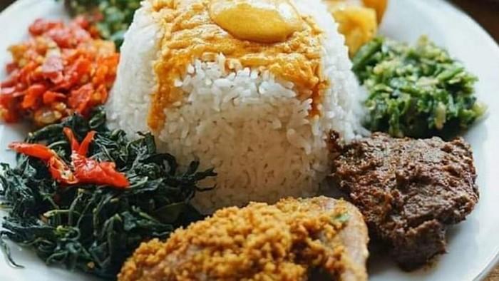 Nasi padang. Foto: Twitter