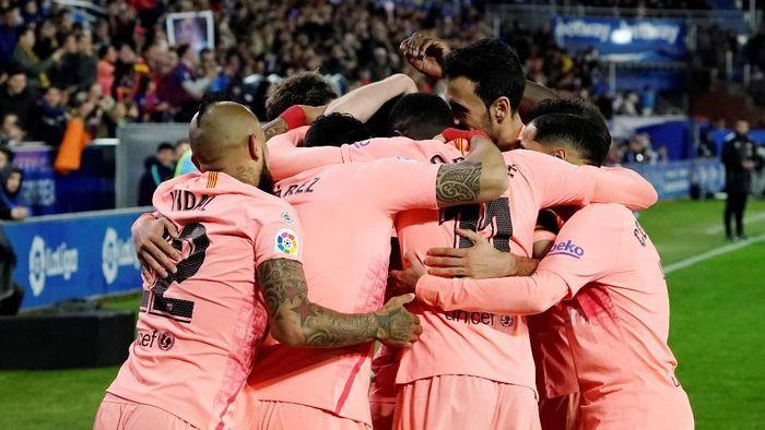 Untuk mengunci titel Liga Spanyol, Barcelona tinggal menunggu hasil Atletico Madrid melawan Valencia. (Foto: Vincent West / Reuters)