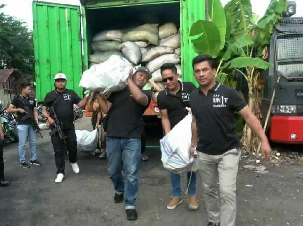 Polres Jakarta Barat Amankan Truk Berisi 5 Karung Sabu