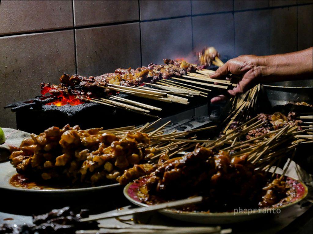 Sate Ayam dan Sate Kambing Khas Madura