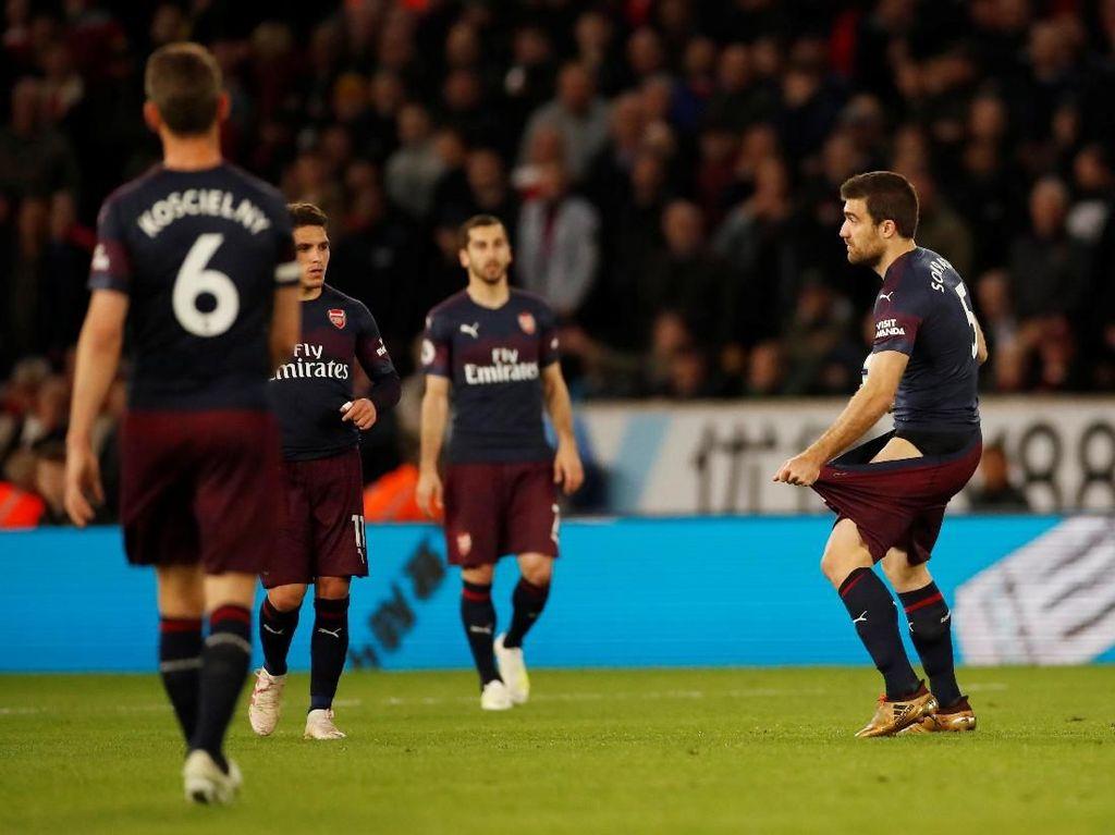 Emery: Tenang, Arsenal Bisa Finis Empat Besar Kok