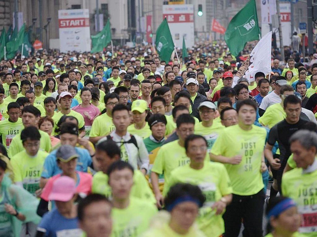 Jorok, Pelari China Ini Menangi Lomba Lari Meski Sedang Diare