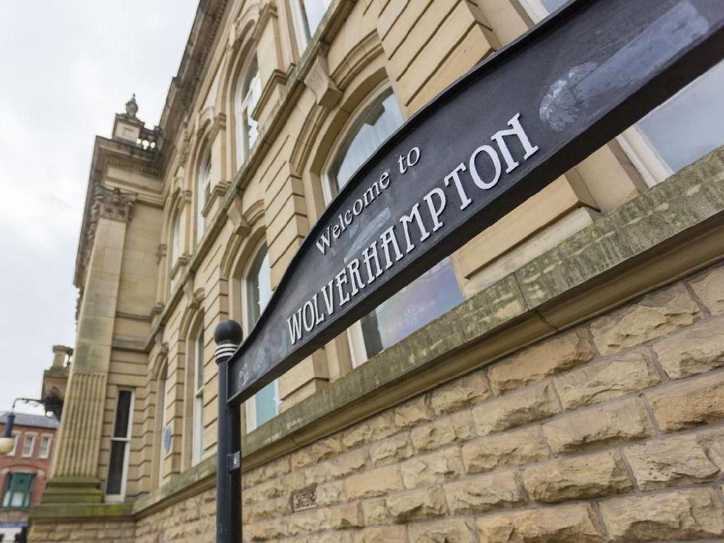 Wolverhampton: Mantap Klubnya, Indah Kotanya