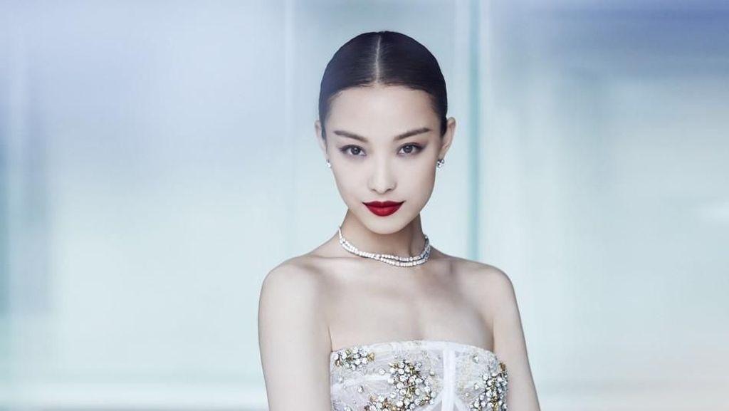 Ini Ni Ni, Artis Wanita Tercantik di Asia yang Wajahnya Sebening Kristal