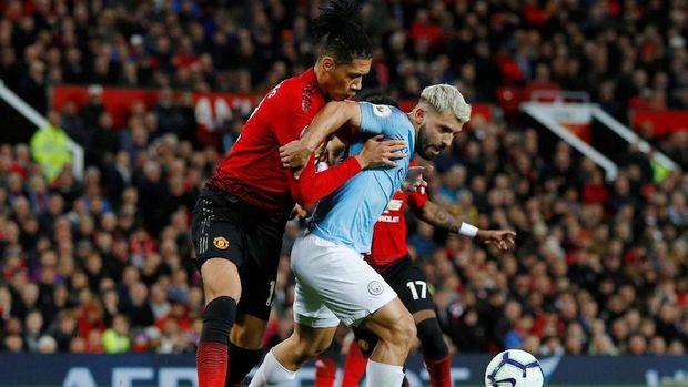 Man United dua kali kalah dalam Derby Manchester di musim ini.