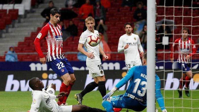 Atletico Madrid kalahkan Valencia 3-2. (Foto: Susana Vera/Reuters)