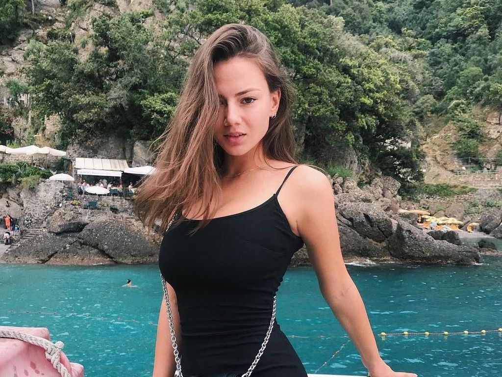 Foto: Penari Seksi Rusia Ini Kabarnya Pacar Terbaru Johnny Depp