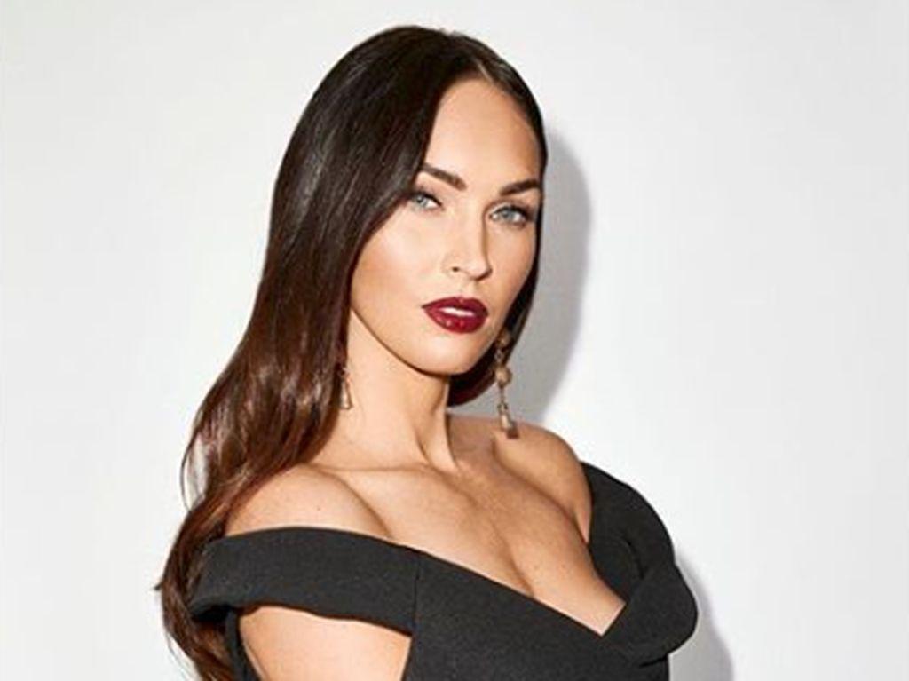 Ketahuan Ciuman, Megan Fox Resmi Pacaran dengan Machine Gun Kelly